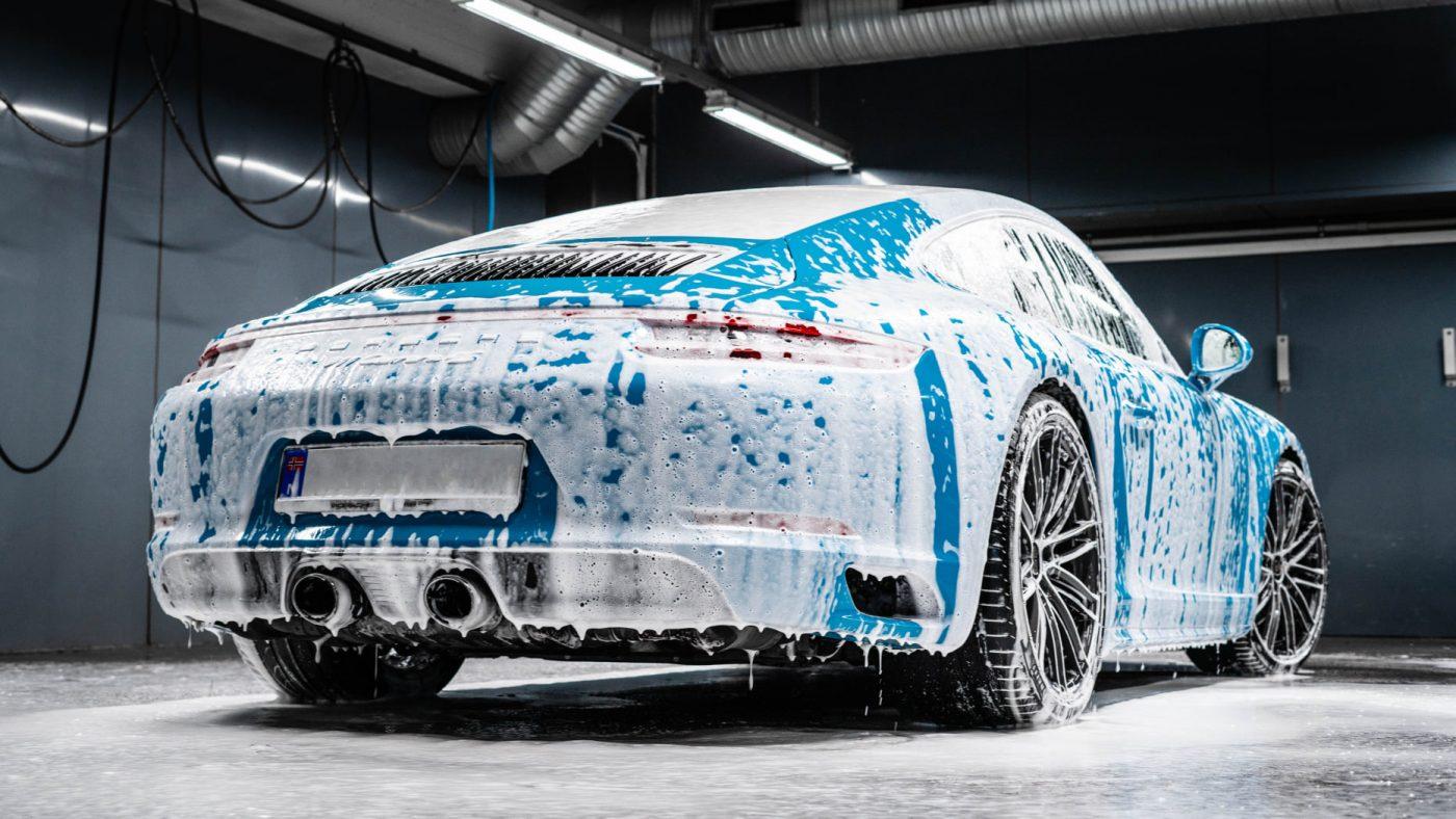 Slik vasker du bilen korrekt