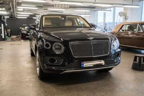 Bentley Bentayga - Innvendig rens og impregnering